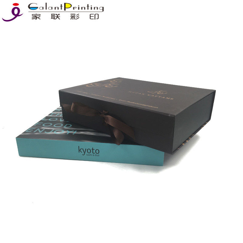 Foldable Flat Pack Printed Packaging Boxes With Ribbon And Magnet